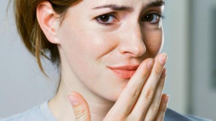 ağız kokusuna neden olur
