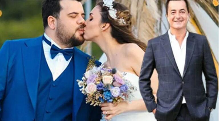 Acun llıcalı Eser Yenenler'in Düğününde Ne Taktı