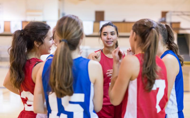 Kızların ergenlik döneminde spora devam etmeleri